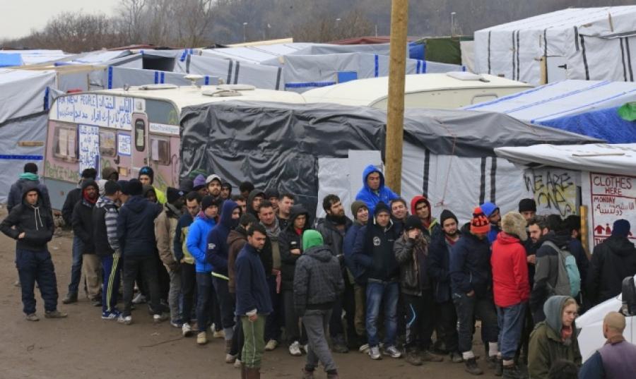 Более 1,2 млн беженцев обратились за убежищем в ЕС в 2015 году