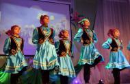 Женщин Кизляра поздравили грандиозным концертом