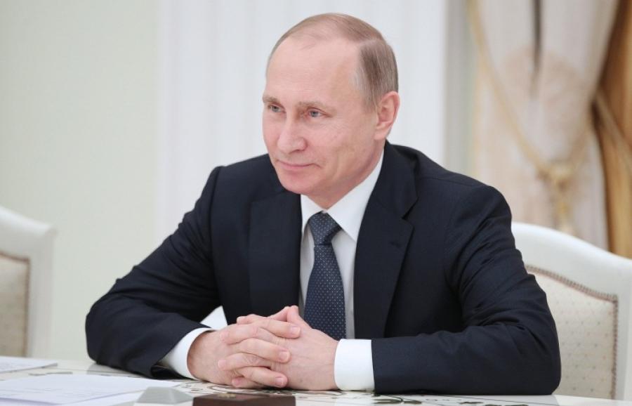 Путин поздравил российских евреев с праздником