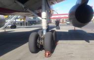 Самолет без тормозного барабана благополучно приземлился в Тюмени, жертв и разрушений нет