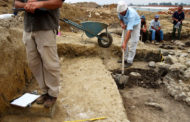 СМИ: греческий археолог заявил об обнаружении могилы Аристотеля