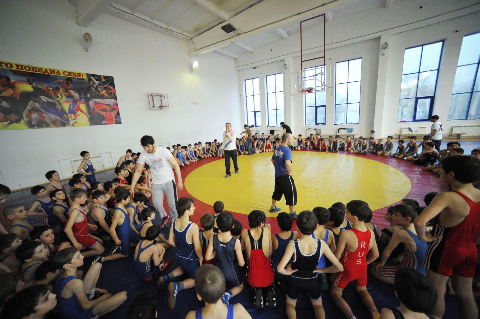 Минспорта Дагестана просит позволить борцам республики отобраться на Рио-2016