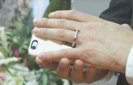 Американец женился на своем iPhone (видео)