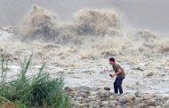 Два человека погибли, 17 пропали без вести в Китае результате удара тайфуна