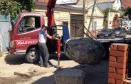 В Махачкале освобождают дороги от искусственных препятствий