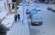 Сотрудник ДПС не дает проехать к роддому автомобилю с беременной женщиной (Видео)