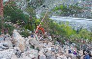 В Рутульском районе Дагестана автомобиль камнепадом унесло в пропасть, есть погибший
