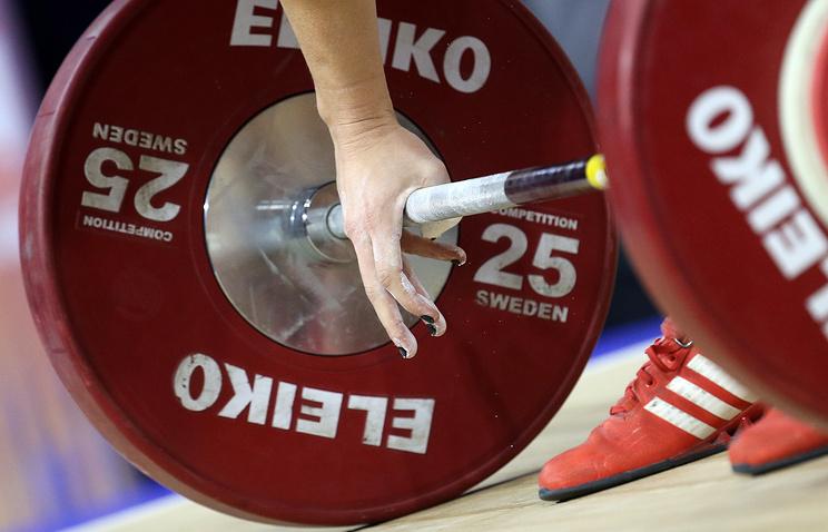 IWF отстранила сборную России по тяжелой атлетике от участия в ОИ-2016