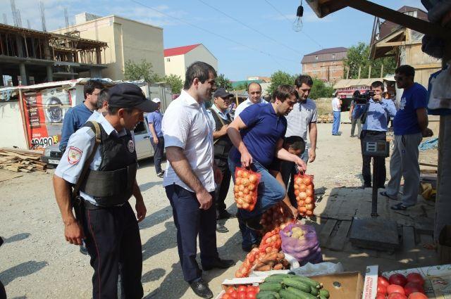 В Махачкале сносят несанкционированный рынок