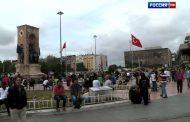 Сотрудницу газеты избили в Стамбуле за европейский стиль одежды