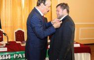 Орден Одесу Байсултанову как очередная уступка чеченскому руководству?