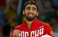 Олимпийскому чемпиону Хасану Халмурзаеву подарят квартиру иMercedes-Benz