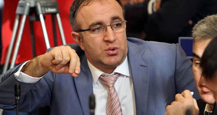 В суд передано уголовное дело Эдуарда Хидирова. Ранее беглый политик поддержал в суде Саида Амирова