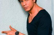 Индийского актера Шахруха Хана задержали в американском аэропорту за ловлю покемонов