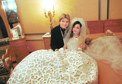Папарацци нашли сына Николая Баскова, которого певец не видел десять лет