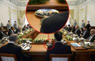 Официальные тарелки с Путиным и Эрдоганом возмутили интернет