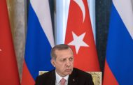 Россия не отпускает своих друзей, а Турцию приближает