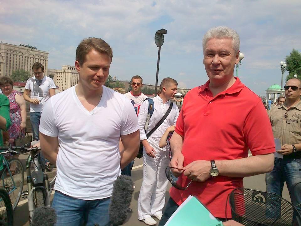 Алексей Навальный: Табличка, из которой многое понятно