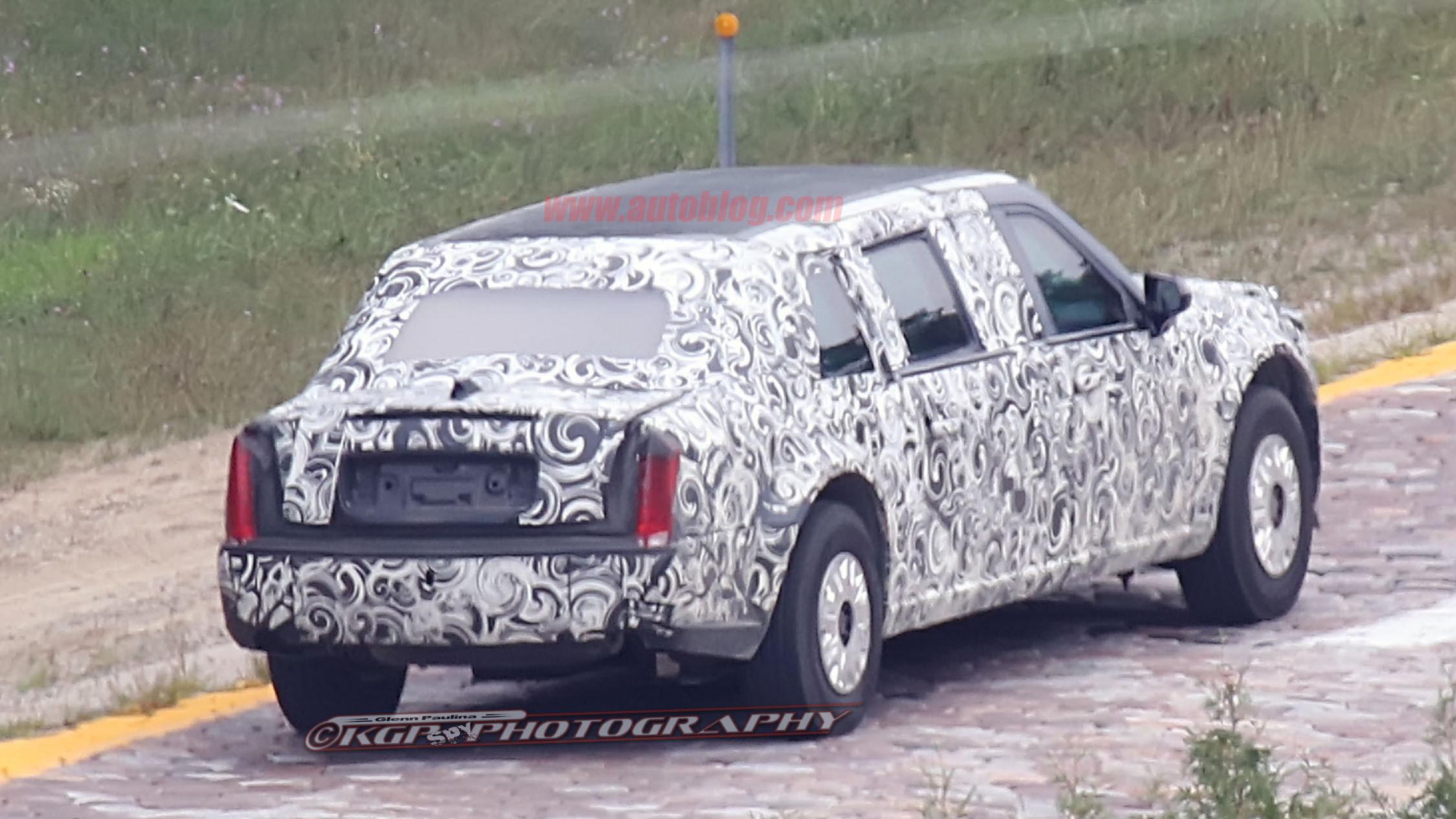 Новый лимузин президента США заметили во время тестов (фото)