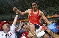«Четырех баранов зарезали, гулять будем неделю!»: Как в Дагестане болели за Абдулрашида Садулаева