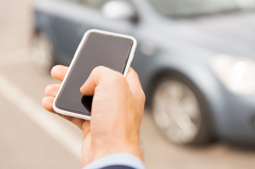 Новые поправки к КоАП: стать «стукачом» на дороге сможет каждый