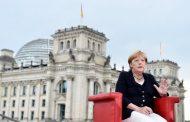 Меркель сочла несвоевременным снятие санкций с России
