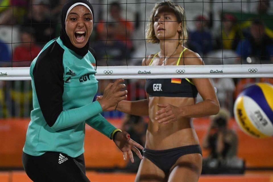 Олимпийские фото пляжных волейболисток в исламской одежде высмеяли в Сети