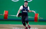 Армянский штангист получил тяжелую травму на играх в Рио. Видео