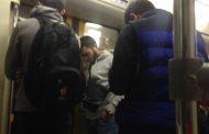 Парни с Кавказа всегда уступают место в метро - Соцсети