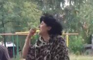Депутат-единоросс выпила за афганское братство и пришла на встречу с избирателями пьяной и в леопардовом манто