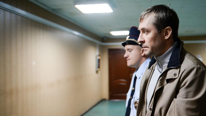 Антон Цветков: Полковнику Захарченко нужны были банкиры, чтобы отмыть миллиарды