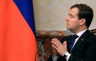 Медведев заявил о наличии автомобиля в каждой российской семье