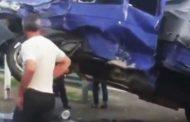 В Дагестане от столкновения с Газелью перевернулся Камаз | Видео