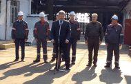 Мариупольские рабочие промолчали в ответ на крик Порошенко «Слава Украине!»