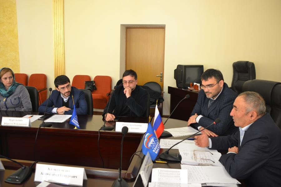 В Акушинском районе на семинаре-совещании обсудили меры по противодействию радикализации молодежи