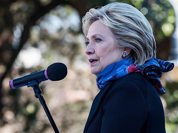 Клинтон: Указания о кибератаках на США отдает Путин лично