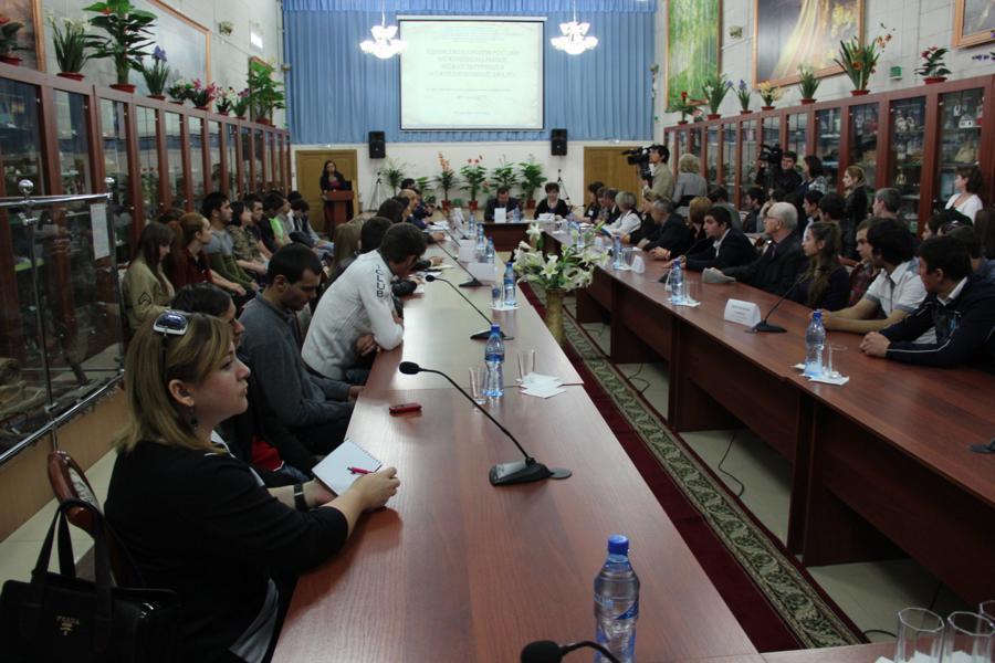 О межнациональном и межрелигиозном диалоге говорили на конференции в Кизляре