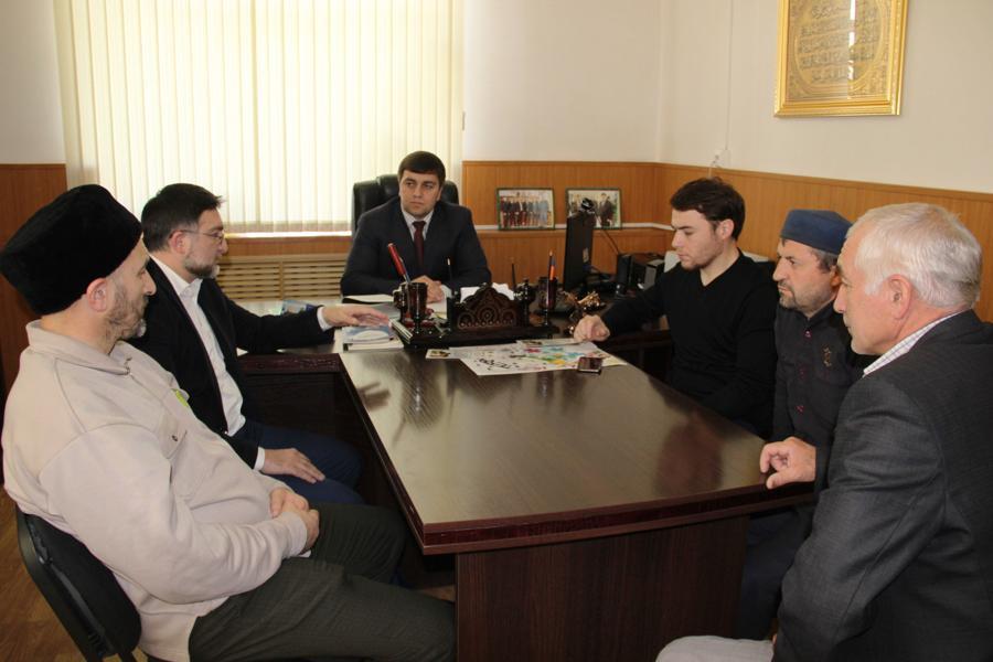 Вопросы взаимодействия религиозных организаций с органами местного самоуправления обсудили в Гергебиле