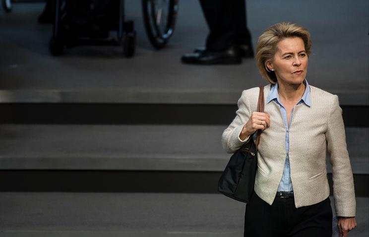 Министр обороны ФРГ призвала Трампа к жестким мерам в отношении России