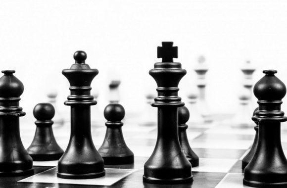 Карлсен сравнял счет с Карякиным в десятой партии сражения за шахматную корону