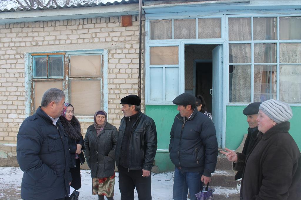Активисты ОНФ встретились с махачкалинцами рискующими со дня на день остаться без крова