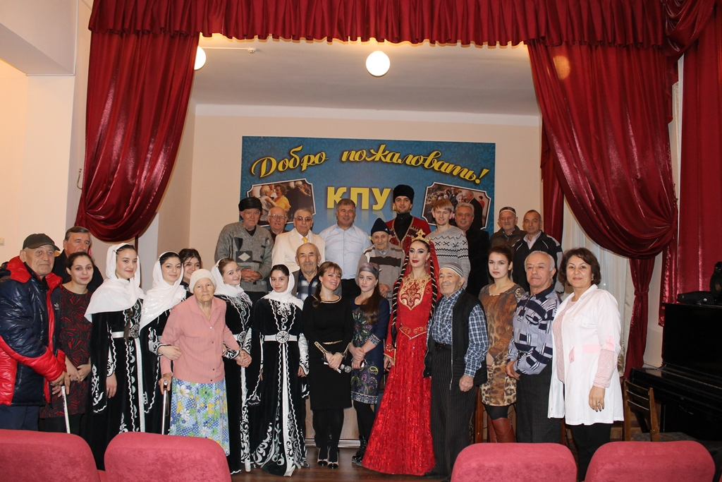 В рамках акции «Новогоднее чудо» активисты ОНФ в Дагестане провели ряд праздничных мероприятий