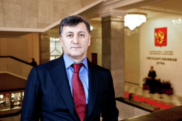 Умахан Умаханов: «Единая Россия» усилит работу в регионах для решения социальных вопросов
