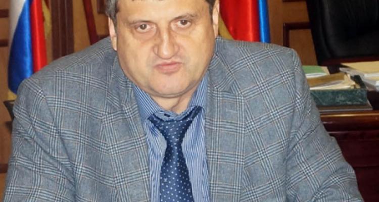 Как детский стадион превратился в участки Алексея Гасанова?